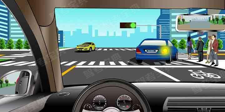 如图所示,驾驶机动车跟随前车右转弯时,应当注意的是什么?