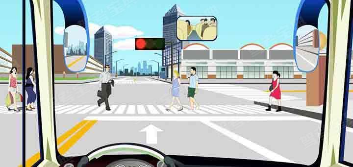 如图,驾驶机动车在该处不影响行人正常通行的情况下可以掉头。