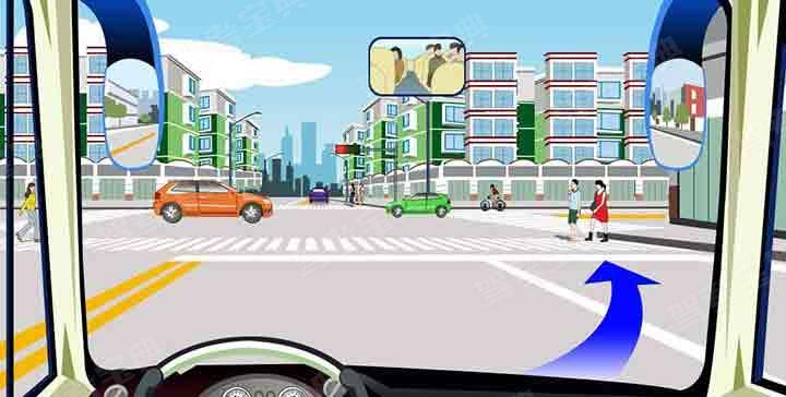 如图,驾驶机动车可在该路口处向右变更车道。