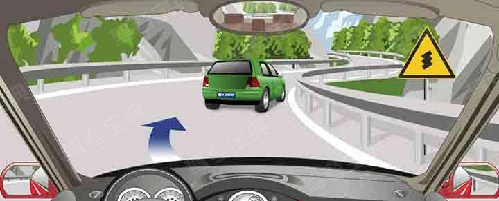驾驶机动车在对向没有来车的情况下可以超车。